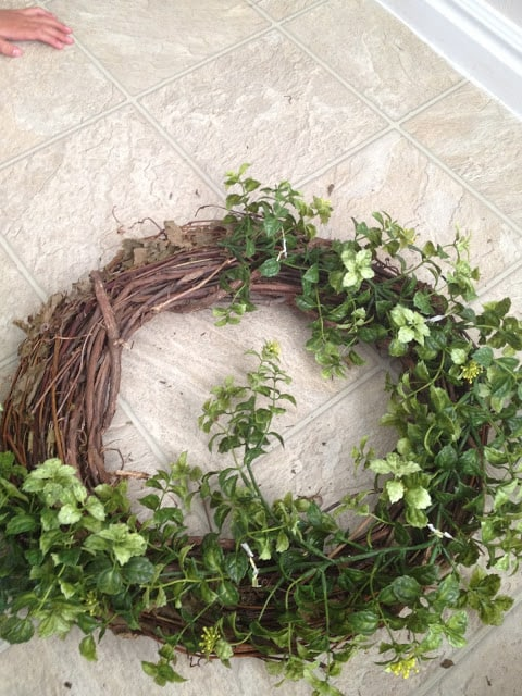 15 Minute, 15 Dollar Wreath - easy farmhouse-style garland wreath DIY