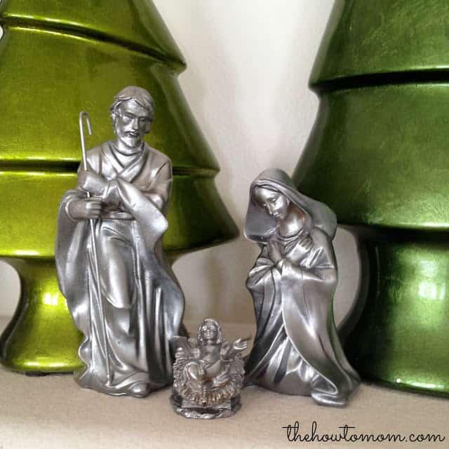 DIY Nativity Set - turn a cheap/tacky set into a gorgeous custom set with spray paint!