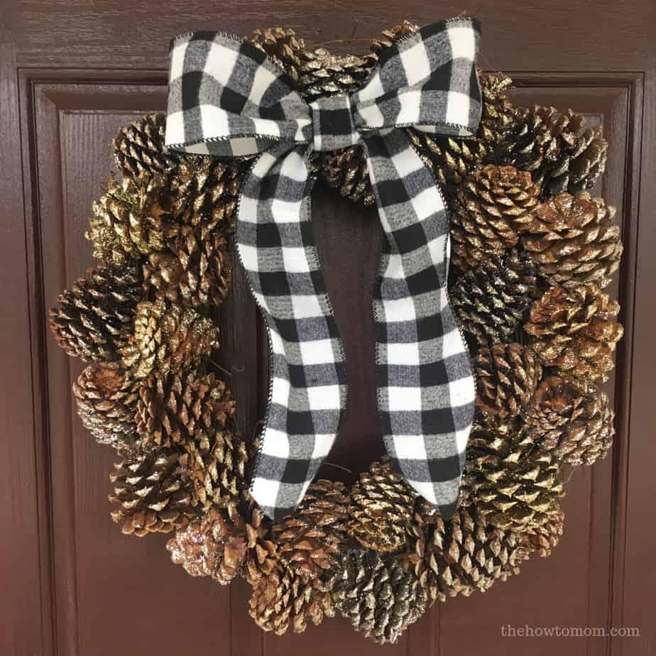 Farmhouse Pinecone Wreath DIY