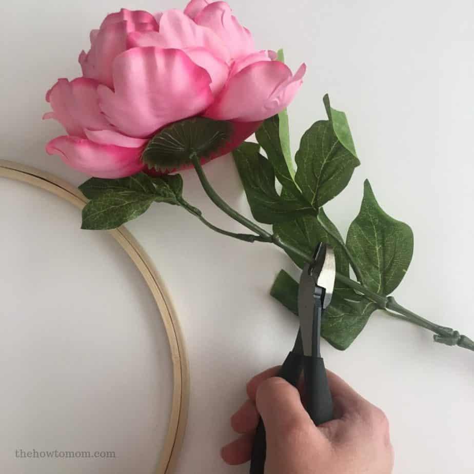 Valentines Embroidery Hoop Wreath DIY