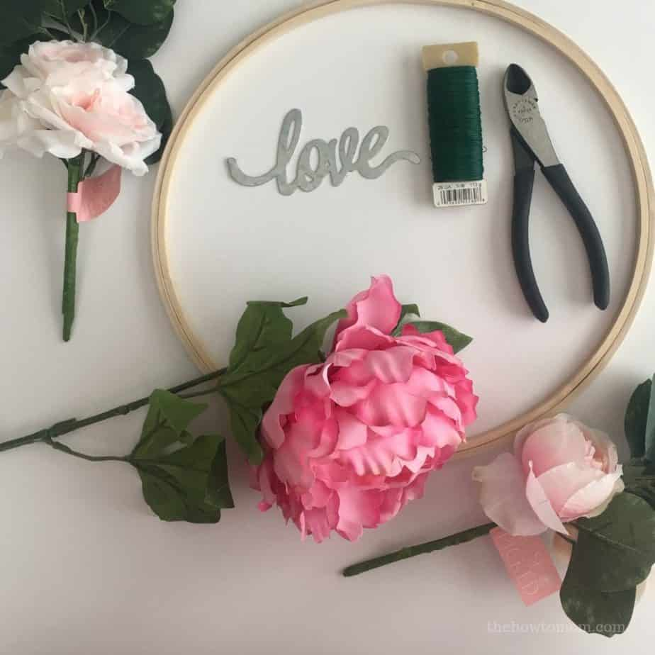 How to make a Valentines hoop wreath