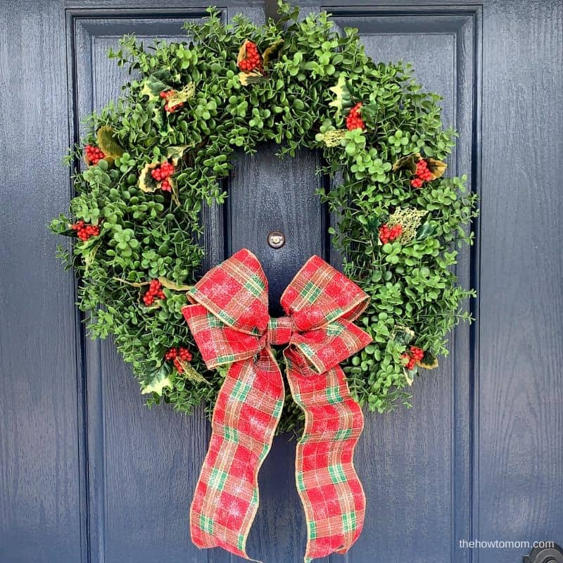 easy Christmas wreath with holly berries