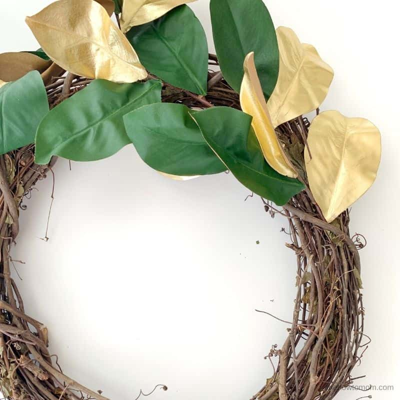 how to make a holiday magnolia wreath