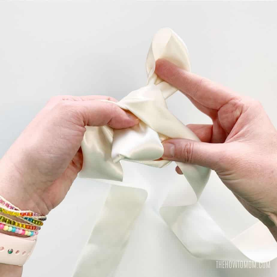 how to tie a floppy satin bow