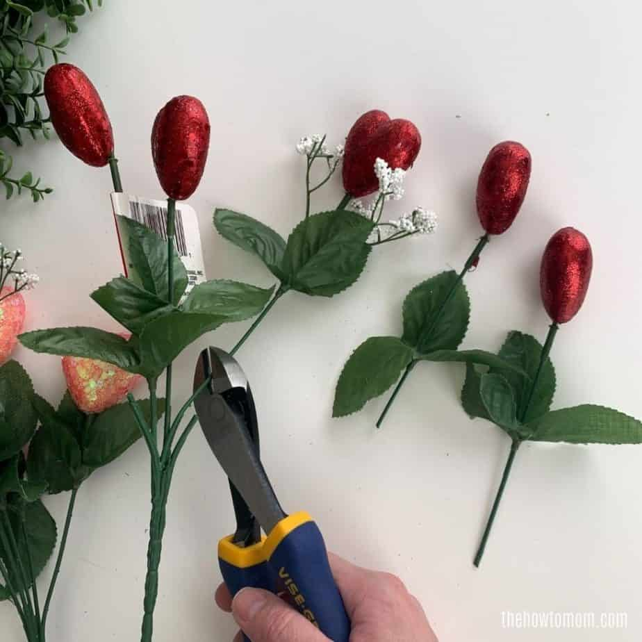 How to make a festive valentines day boxwood wreath